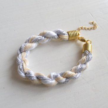 DIY Armband aus Wolle selber machen