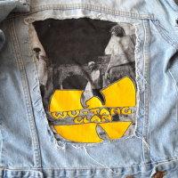 Upcycling DIY Jacke mit T-Shirt Aufnäher