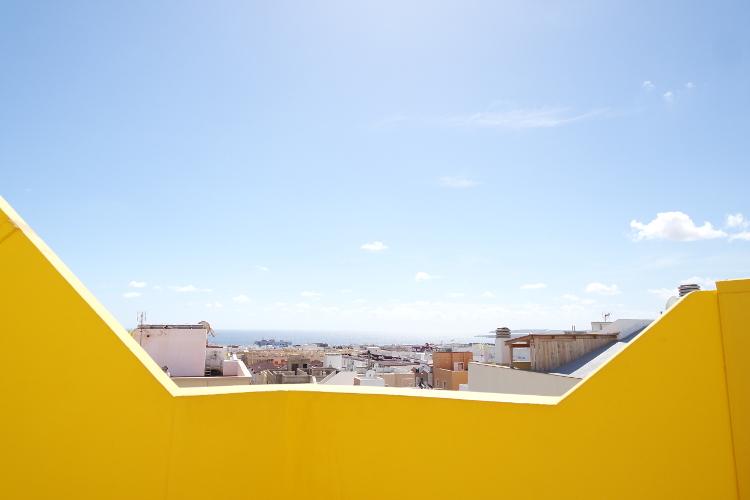 Die Aussicht! Stadt und Meer, wer hätte sich nicht in diesen Balkon verliebt huh?