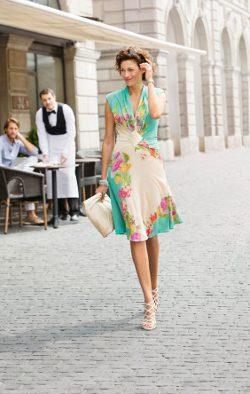 Kleid mit Raffungen und V-Ausschnitt / Schnittmuster (Gr 34-48) und Textanleitung