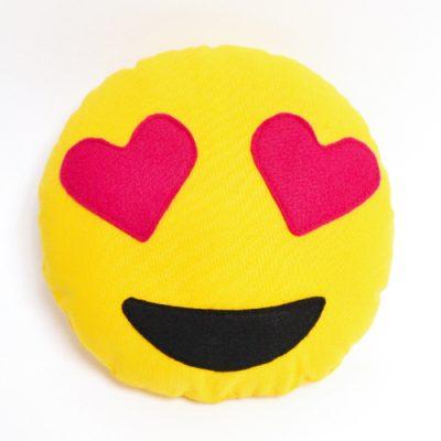 Emoji-Kissen mit Herzaugen nähen / Kostenlose Vorlage