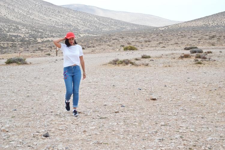 OOTD Wüstenblume bestickte Jeans DIY Colourblocking Trend Sport