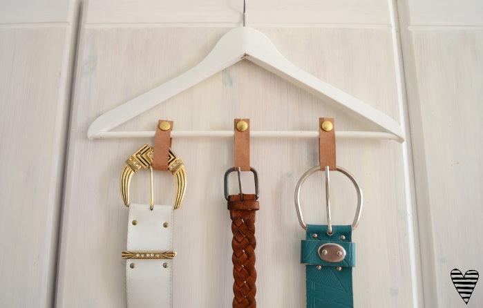 DIY Schrank Organizer Bügel für Gürtel und Tücher selber machen snappap 5