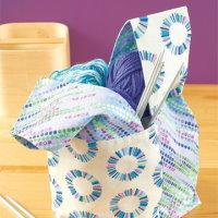 diy nähanleitung kostenlos freebee freebook mit schnittmuster nähen geschenkidee zum selber machen stricktasche project bac origami tasche strickzeug wolle stricknadeln für handarbeit patchwork