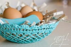 Osterkörbchen aus Häkeldecke