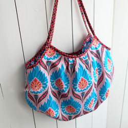 tasche kleine mini beachbag strandtasche beuteltasche diy mode nähen schnittmuster kostenlos freebook einfach anleitung für anfänger diymode für frauen erwachsene nähblog auf deutsch damen