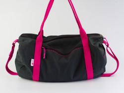 tasche dufflebag sporttasche reisetasche strandtasche groß diy mode nähen schnittmuster kostenlos freebook einfach anleitung für anfänger diymode für frauen erwachsene nähblog auf deutsch damen