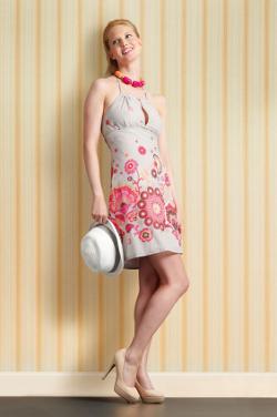kleid minikleid sommerkleid luftiges diy mode nähen schnittmuster kostenlos freebook einfach anleitung für anfänger diymode für frauen erwachsene nähblog auf deutsch sommer ideen