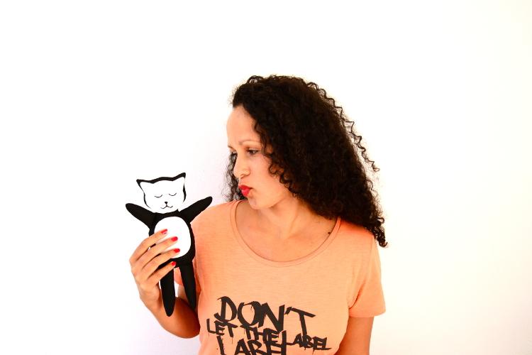 Kuscheltier Katze nähen für kinder anleitung video schnittmuster kostenlos freebie freebook kreativlabor mieze geschenk kleinigkeit idee 1