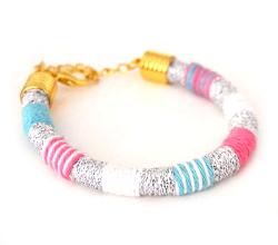 Armband aus Wolle