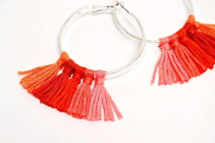 quasten ohrringe troddel creolen selbst selber machen basteln pimpen upcycling refashion schmuck idee ideen tassel hoop earrings video diy mode