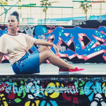Upcycling Rock aus Jeans nähen Jeanshose zu Jeansrock ändern umändern DIY MODE