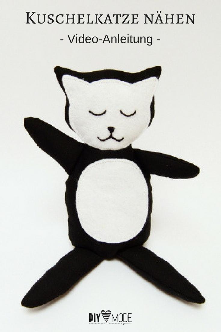 Kuschelmieze Katze Kuscheltier für Kinder freebie kostenlose Anleitung Idee nähen Nähanleitung Nähidee für Anfänger Nähanfänger Kleinigkeit Geschenk DIY MODE